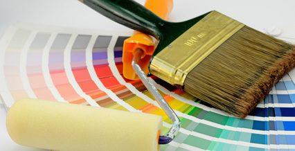 Haus streichen-Farbe - Pinsel- farbe