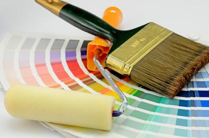 Haus streichen - Farbe auswählen - Fenster abkleben - Wandfarbe
