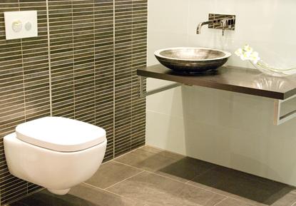 Sanierung bad badezimmer fliesen badm bel sanierung altbau - Badezimmer 50er ...