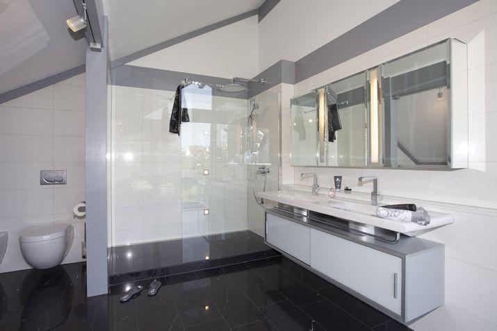 Bodengleiche Duschen – Welche Vorteile bieten die modernen ... | {Moderne dusche barrierefrei 39}
