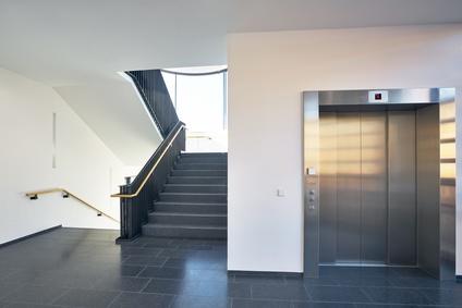treppenlift kosten wie setzen sich diese zusammen. Black Bedroom Furniture Sets. Home Design Ideas